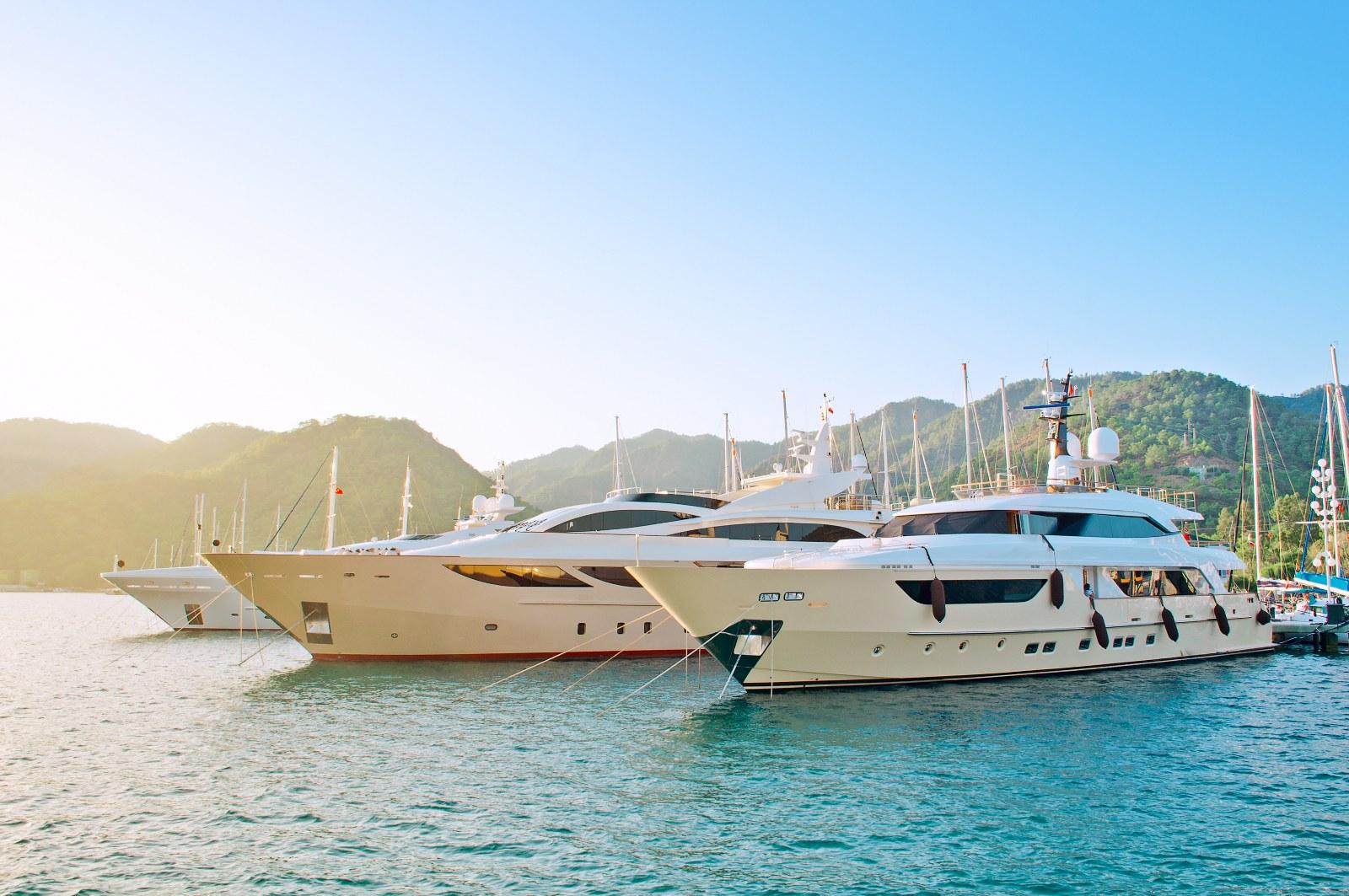 Yacht Hire (Minimum 3 Hour Hire)